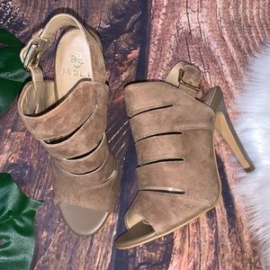 ISOLA - Brown Open Toe Heel